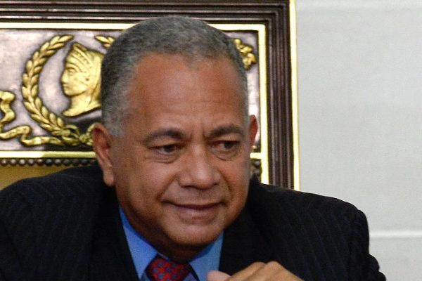 CGR insta a la Sudeban prohibir operaciones financieras a Juan Guaidó