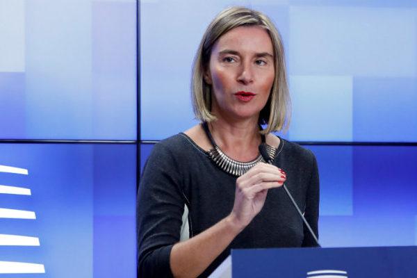 UE advierte que habrá sanciones si Maduro actúa contra Guaidó