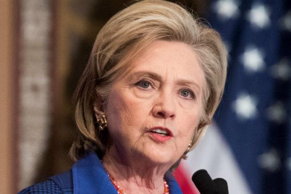 Hillary Clinton dice que EEUU «no puede permitirse cuatro años más» de Trump