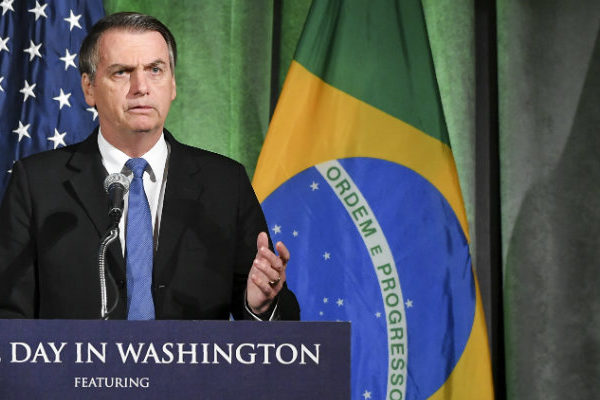 Bolsonaro no descarta apoyar posible intervención de EEUU en Venezuela
