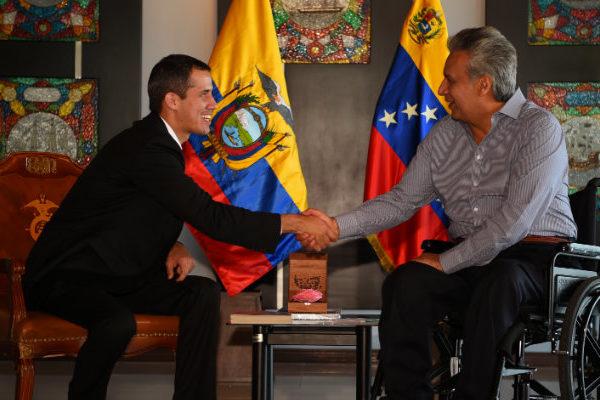 Guaidó dice en Ecuador que no solo busca ayuda, sino democracia y libertad