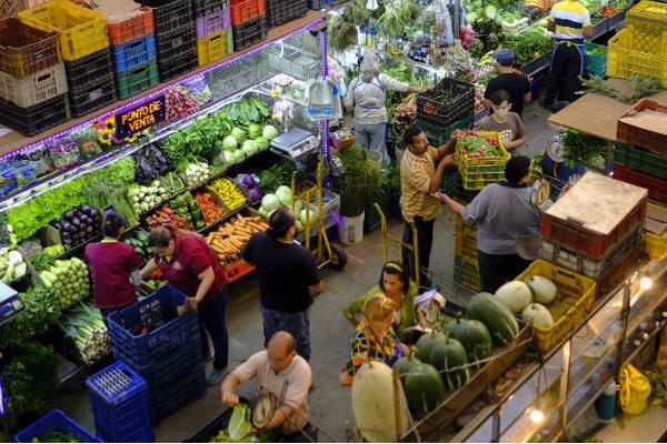 #COVID19 Limitan horarios de venta de alimentos y medicinas en Miranda