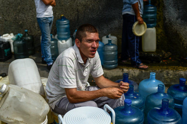 Bausson: Se bombea solo el 40% del agua que se distribuía hace 25 años en Venezuela