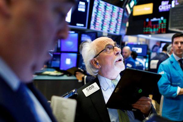 Wall Street abre mixto y el Dow Jones sube un 0,01% a la espera de Powell