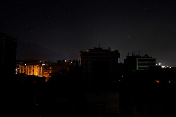 Sectores de Caracas y del interior del país afectados por fallas en el servicio eléctrico