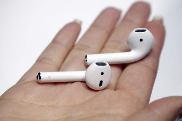 Apple renueva los AirPods con un cargador inalámbrico y control de voz