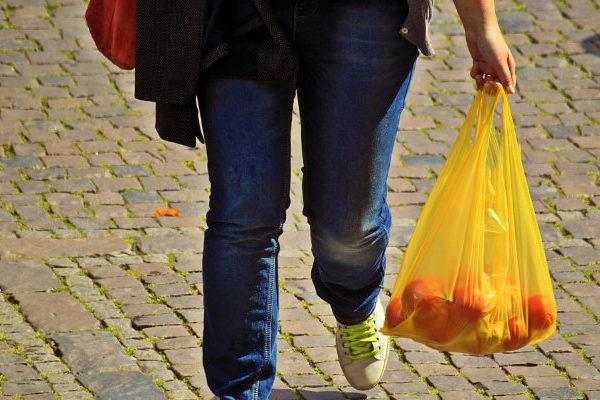 Nueva York, cerca de aprobar una ley para prohibir las bolsas plásticas