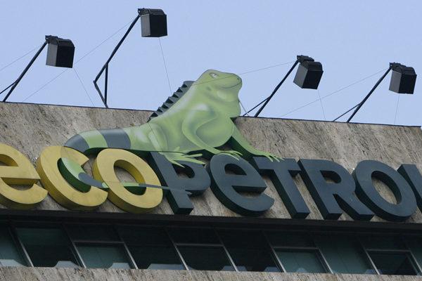 Ecopetrol y Repsol firman contrato para extraer gas en costas colombianas