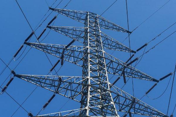 Brasil construye línea eléctrica en Amazonía para evitar comprar energía a Venezuela