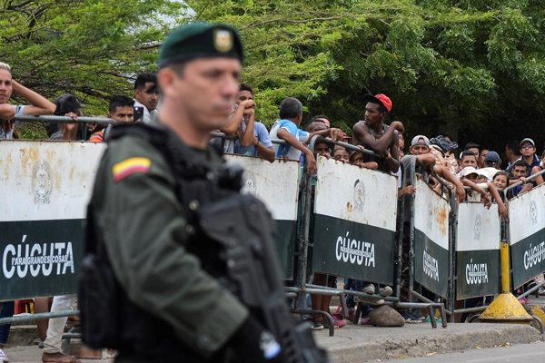 Miles de afectados en Venezuela tras una semana con las fronteras cerradas