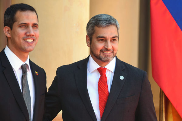 Guaidó planteó descuento efectivo de 56% de deuda petrolera a Paraguay