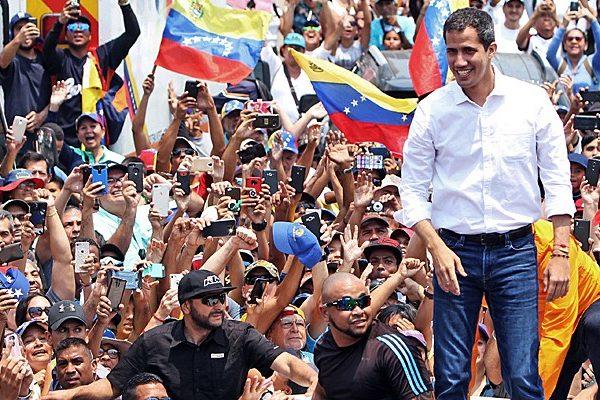 Guaidó pide a los venezolanos que mantengan la confianza
