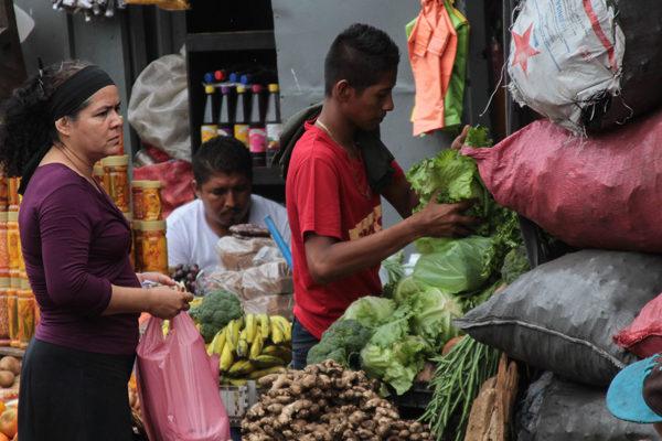 La crisis hunde la economía y encarece el costo de la vida en Nicaragua