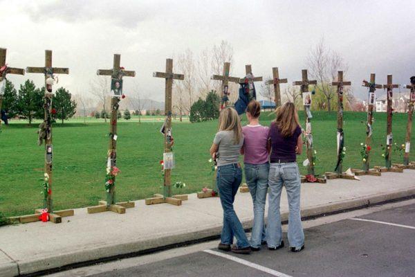 Columbine conmemora los 20 años de la matanza de 13 personas en una escuela