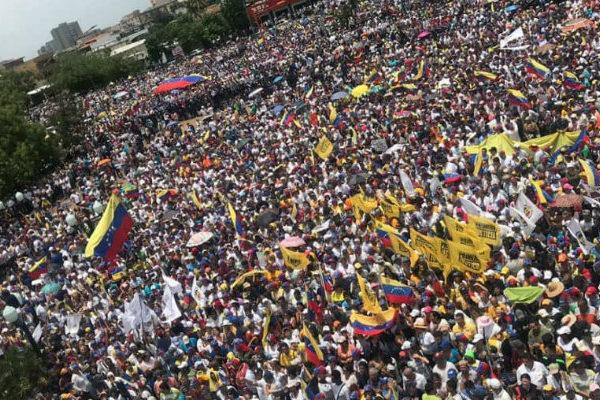 Impiden llegada de Guaidó a concentración en el estado Lara