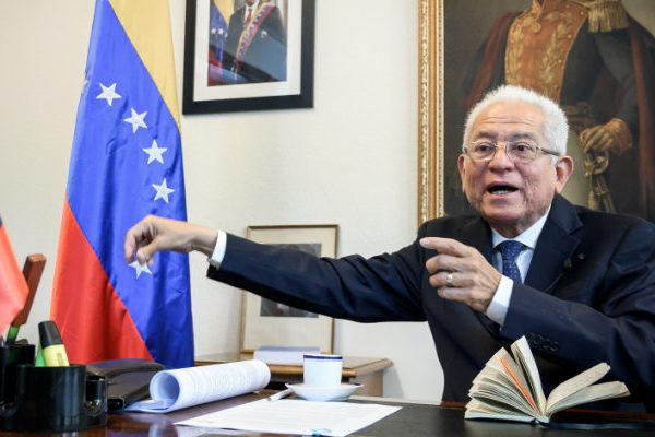 Gobierno de Maduro rechaza nuevo informe de Michelle Bachelet sobre violaciones de DDHH