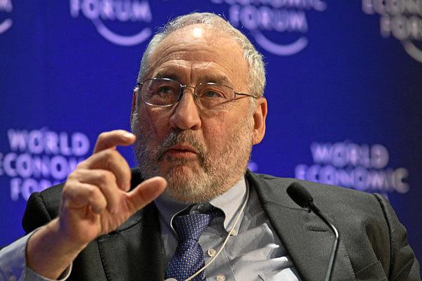 Stiglitz acusa a Trump de abordar asuntos comerciales con ley de la jungla