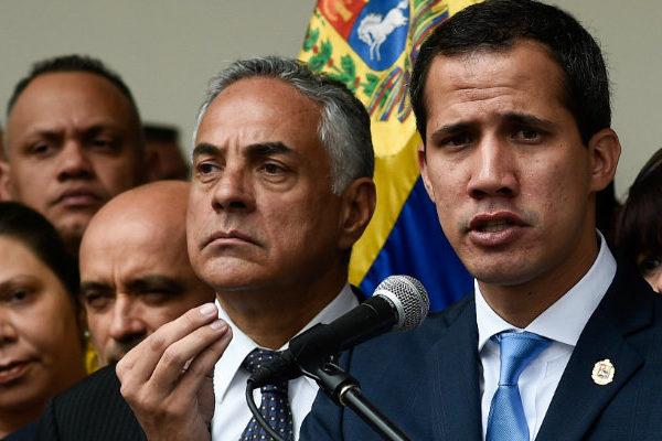 Empresas extranjeras prometen a Guaidó apoyo para atajar la crisis eléctrica