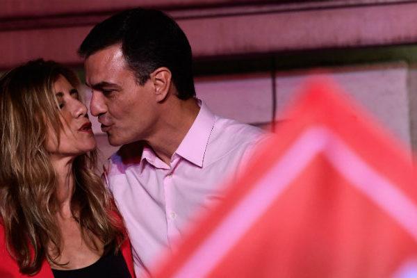 Sánchez gana las legislativas en España y la extrema derecha entra en el Parlamento