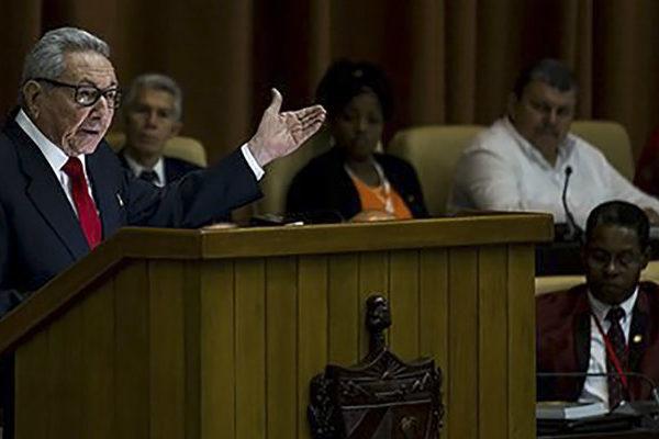 Raúl Castro pide a los cubanos prepararse para lo peor en la economía