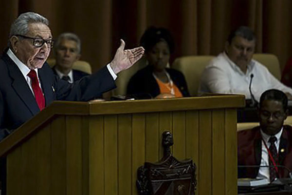 Raúl Castro reconoce que el Socialismo no incentiva el trabajo y la innovación pero insiste en apertura controlada