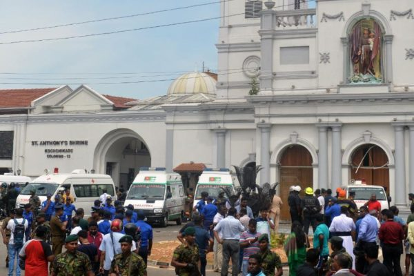Pascua sangrienta en Sri Lanka con ocho explosiones y 160 muertos