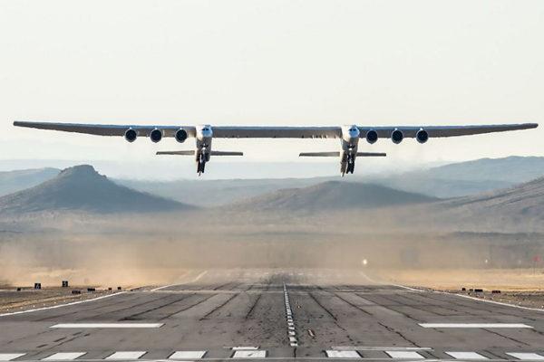 Primer vuelo en EEUU del avión más grande del mundo