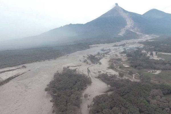 Volcán de Fuego de Guatemala registra hasta 20 explosiones por hora