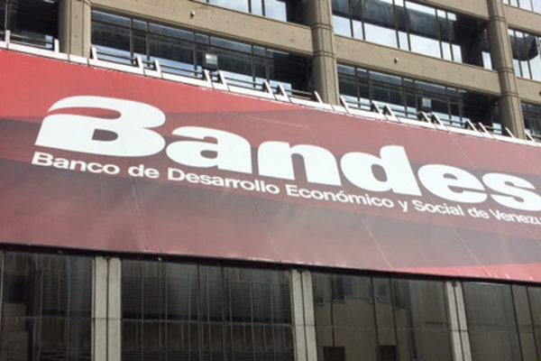 Guaidó designó junta administradora ad hoc para el Bandes