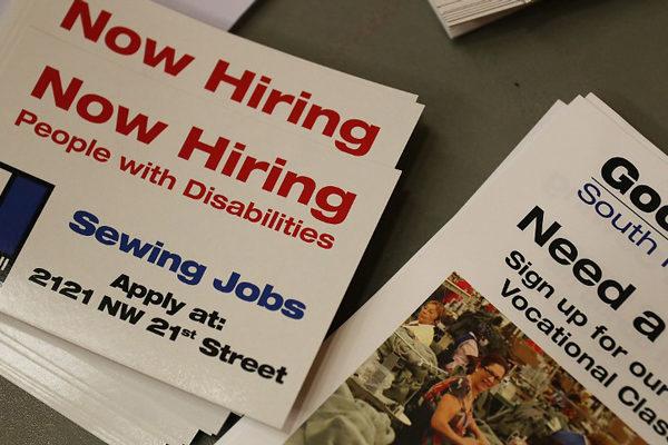Tasa de desempleo en EEUU baja en marzo al 6%