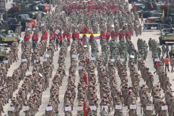 Maduro juramentó a 3,3 millones de milicianos en La Guaira