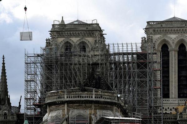 La reconstrucción de Notre Dame envuelta en polémicas