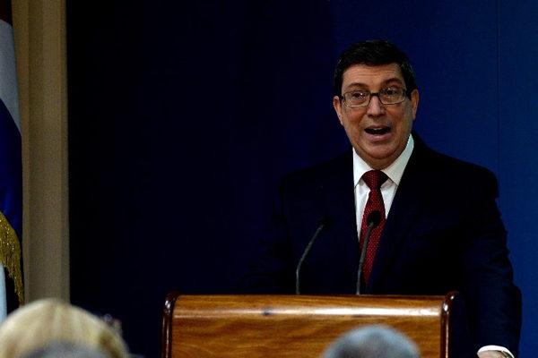 Cuba insiste en una solución negociada para la crisis en Venezuela