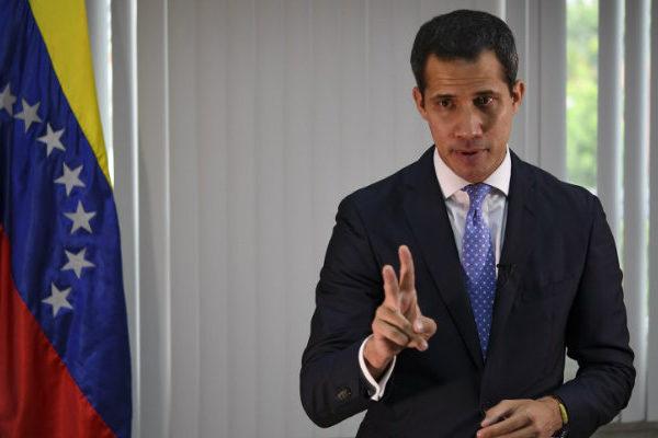 Guaidó acusa en la AN a gobierno de Maduro de financiar a grupos irregulares