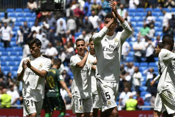 Real Madrid cierra una temporada de pesadilla con otra derrota
