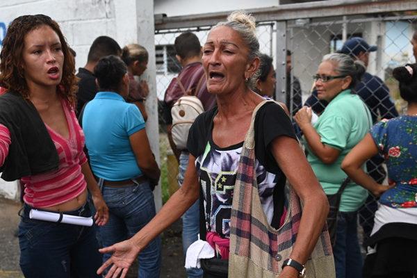 Dolor y rabia tras la muerte de 29 presos en Acarigua