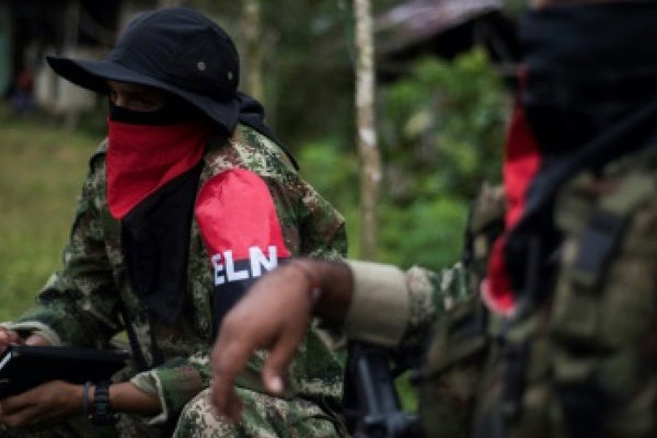 Colombia asegura que unos 1.100 guerrilleros del ELN están en Venezuela