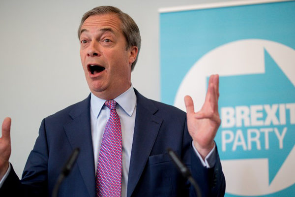 Partido del Brexit se dispara en los sondeos en Reino Unido