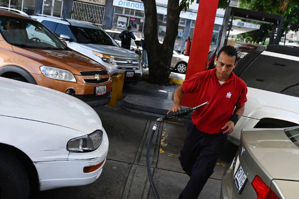 Pdvsa enfrenta obstáculos que impiden aportar caja en las gasolineras que venden en divisas