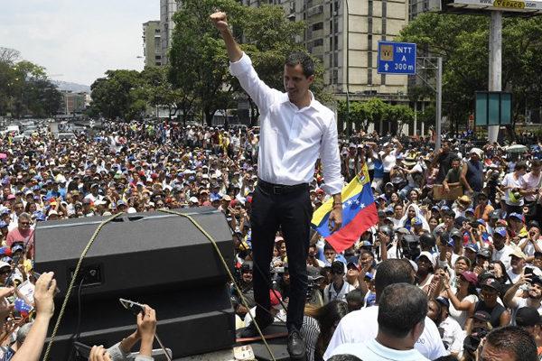 «Seguiremos en las calles»: opositores acogen nuevo llamado de Guaidó