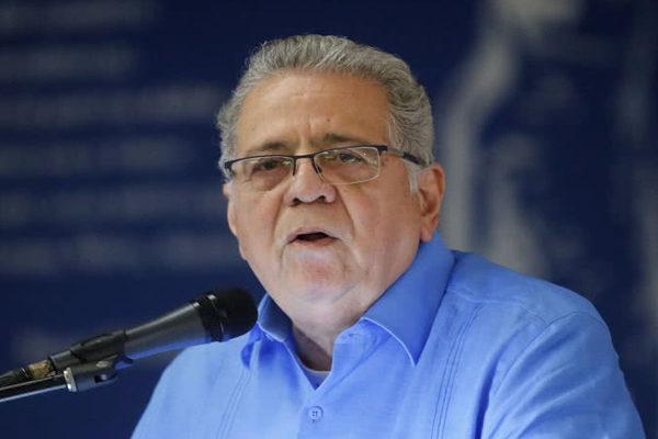 Isaías Rodríguez renuncia a la embajada en Italia