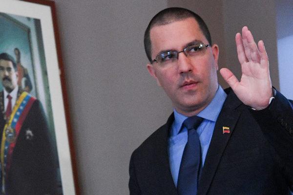 Arreaza: vinculación de gobierno de Maduro con el ELN es un «falso positivo»