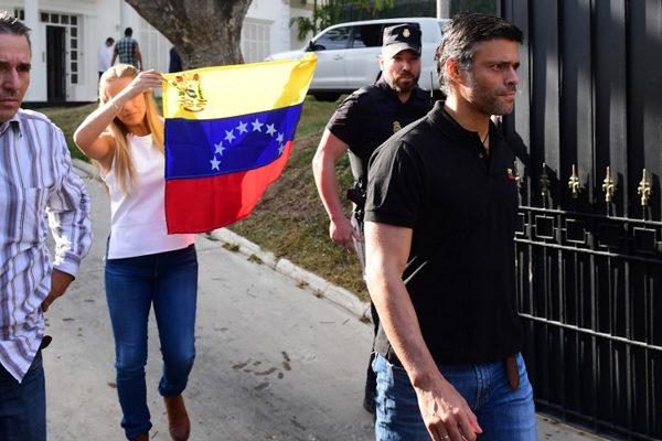 Gobierno acusa a España de permitir que Leopoldo López planifique actos violentos en su sede