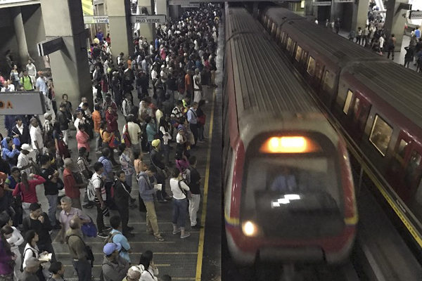 Falla eléctrica saca de servicio a cuatro estaciones de Línea 2 del Metro
