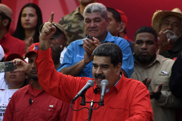 Maduro dice que no le temblará el pulso para castigar rebelión militar