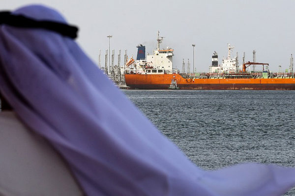 El petróleo sube junto por mayor tensión en Medio Oriente