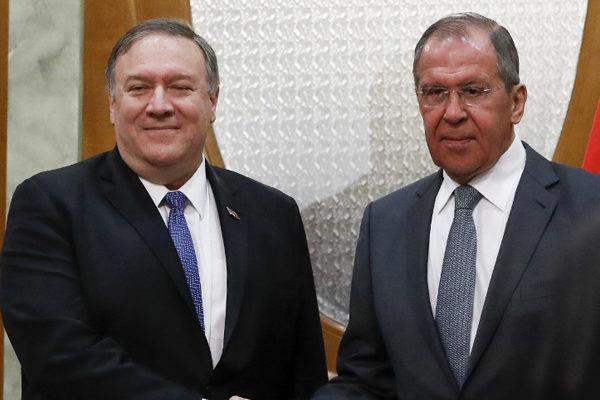 Pompeo exige a Rusia que cese de apoyar a Maduro