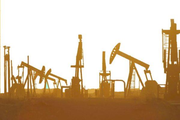 23 ex trabajadores petroleros mantienen huelga de hambre cerca de Miraflores