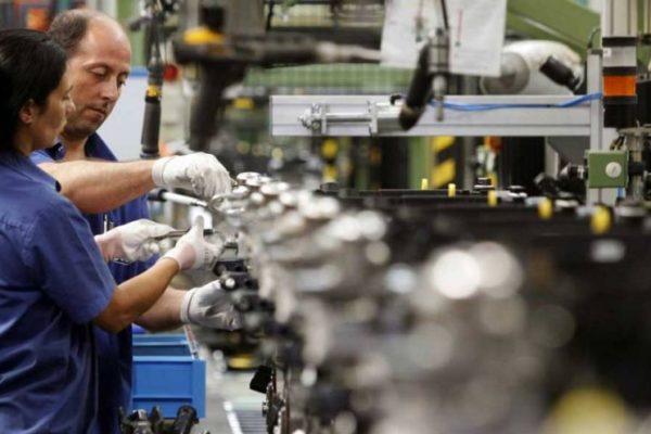 La pequeña y mediana industria considera que no tiene más de un año de vida