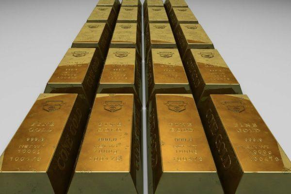 Precios del oro caen por rendimiento de bonos del Tesoro EEUU